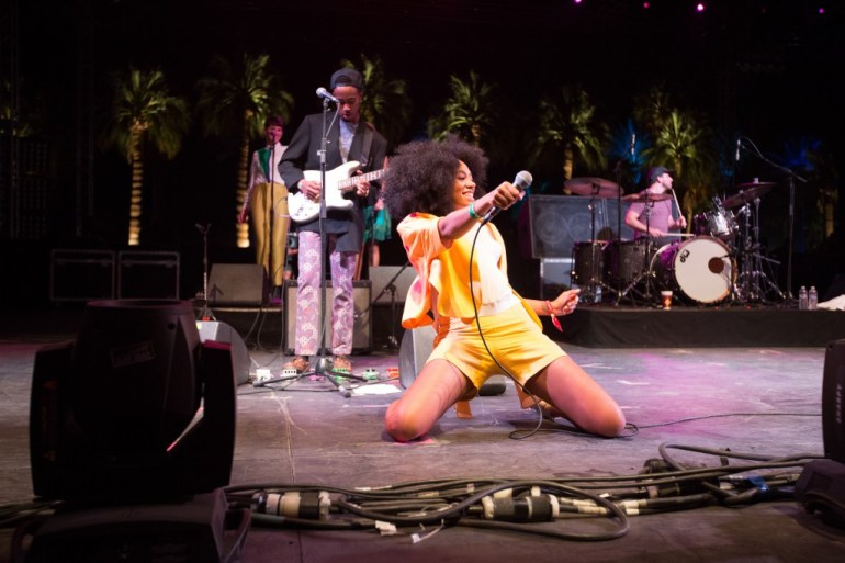 Solange-Feeling-It-at-Coachella-eecue_32907_jltl_l