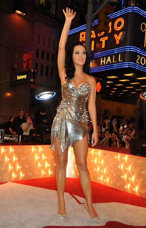 katy perry rocks the 2009 mtv video music awards