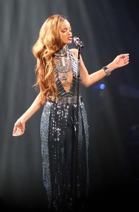 RihannaLanvinCouture1