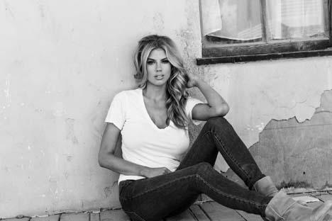 Charlotte-Mckinney-DSTLD-jeans-2