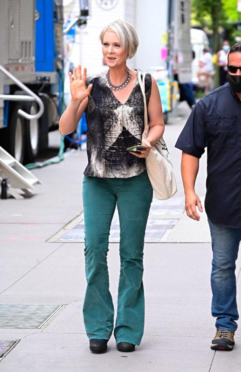 Cynthia Nixon green pants