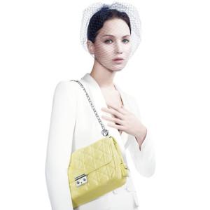 Jennifer-Lawrence-Dior-Ad-Campaign-1