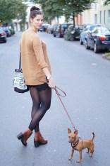 Caprice-love-FashionBlogBloggerShortsschwarzbraunbootsTopshopray-banherbsttrendoutfitstyling2