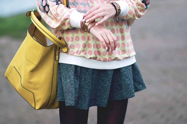 sweater_dots_pastel