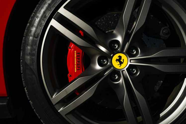 close up photo of ferrari rim