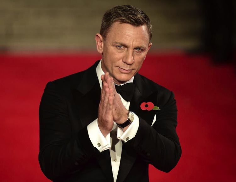 daniel-craig-tom-ford-suit-james-bond-sprectre-premiere-4