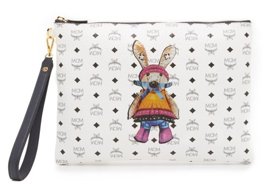mcm-white-rabbit-medium-pouch