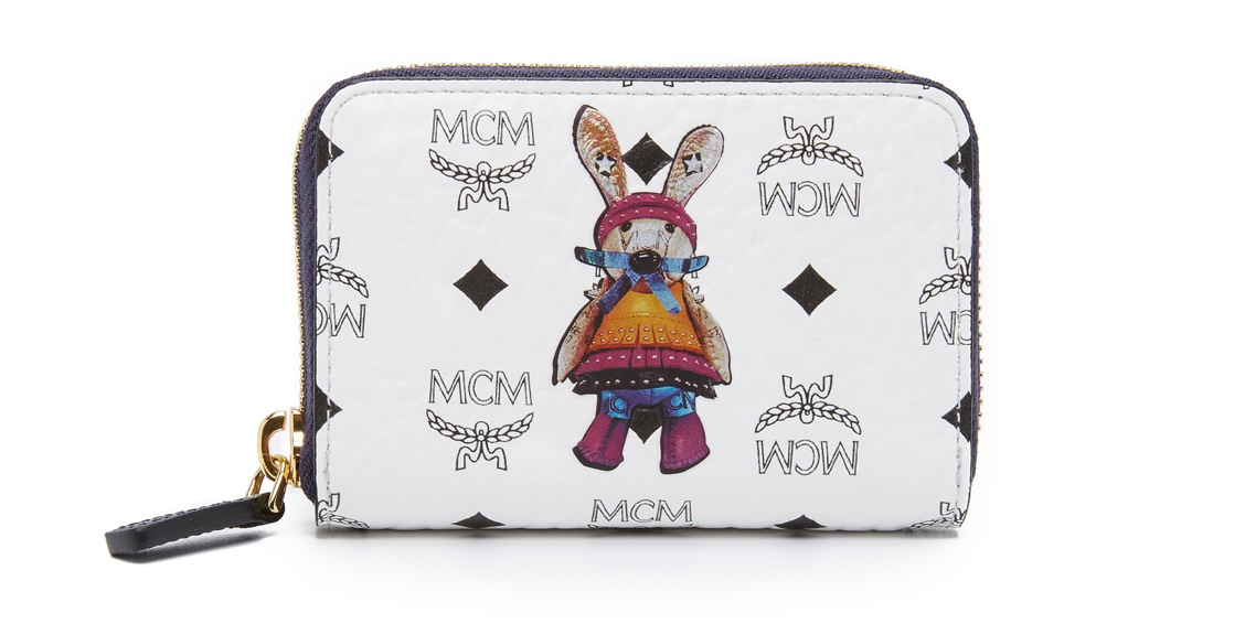 mcm-white-rabbit-zip-card-case