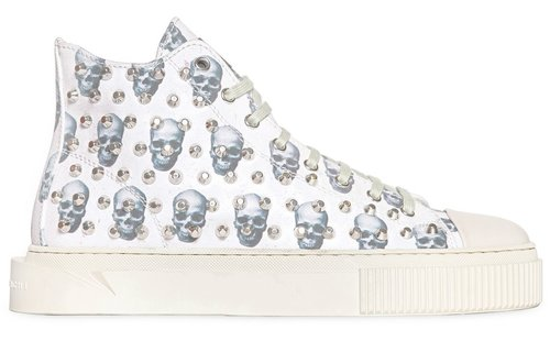 gienchi_skulls_studded_canvas_side