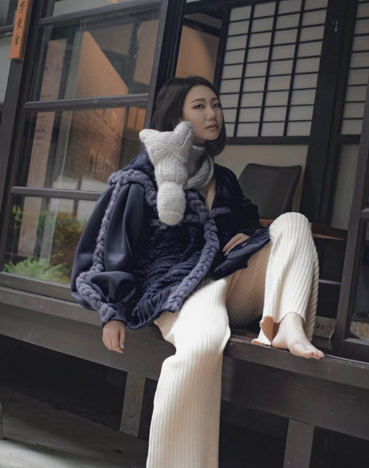 Portraying the ensemble feeling; the Japanese style balcony forming a historical transition into modern style.