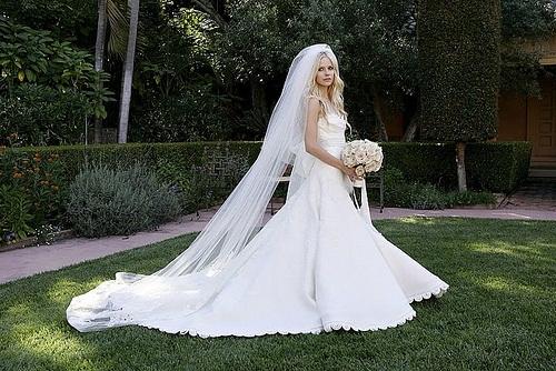 Eva Longoria Dresses For Your Inspiration