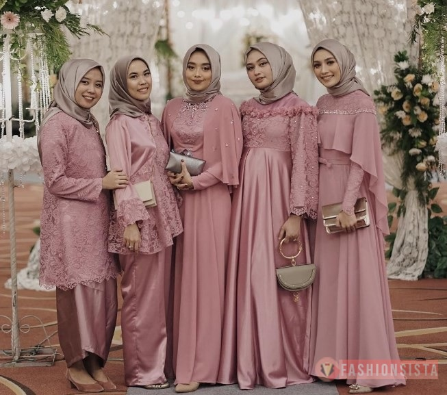 Model Baju Dress Kebaya Brokat Kombinasi Satin Muslim Dusty Pink