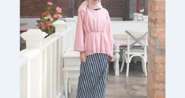 Model Kebaya Muslim Peplum Soft Pink Simple