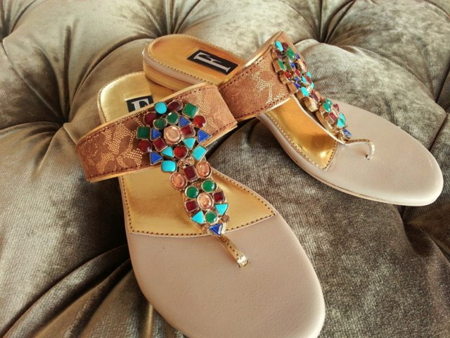 Farah and Fatima Footwear Collection 2013 Vol 2 For Girls (7)