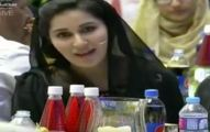 Shaista Reciting Naat in Her Beautiful Voice in a Live Show