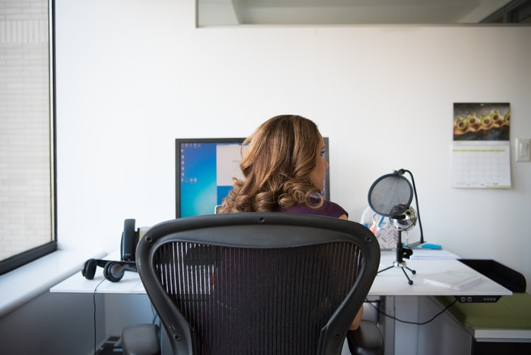 5 things to consider when buying a computer chair
