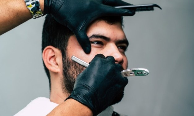 How To Shave With A Single Blade Razor Like a Pro