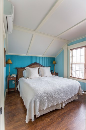 Bedroom Lighthouse Suite