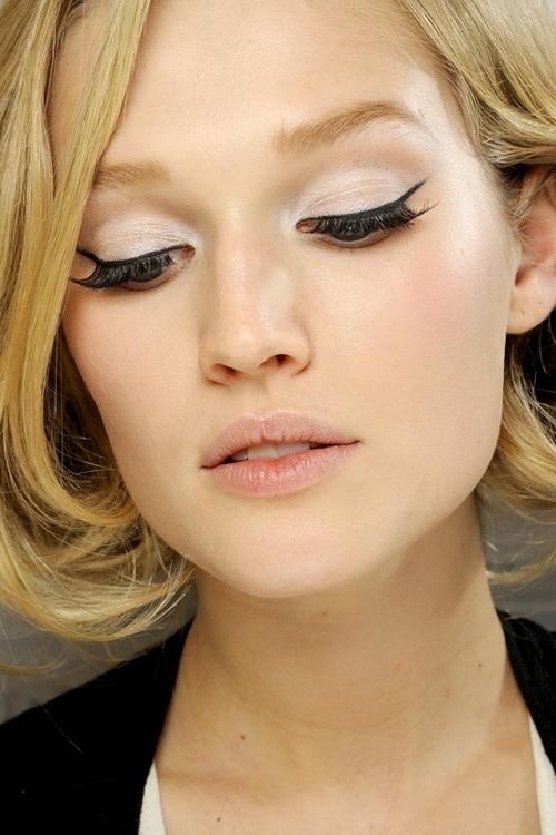 12 Amazing Eyeliner Ideas