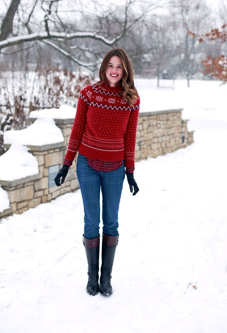 Stylish Christmas Sweater Outfit Ideas That Prove They Are