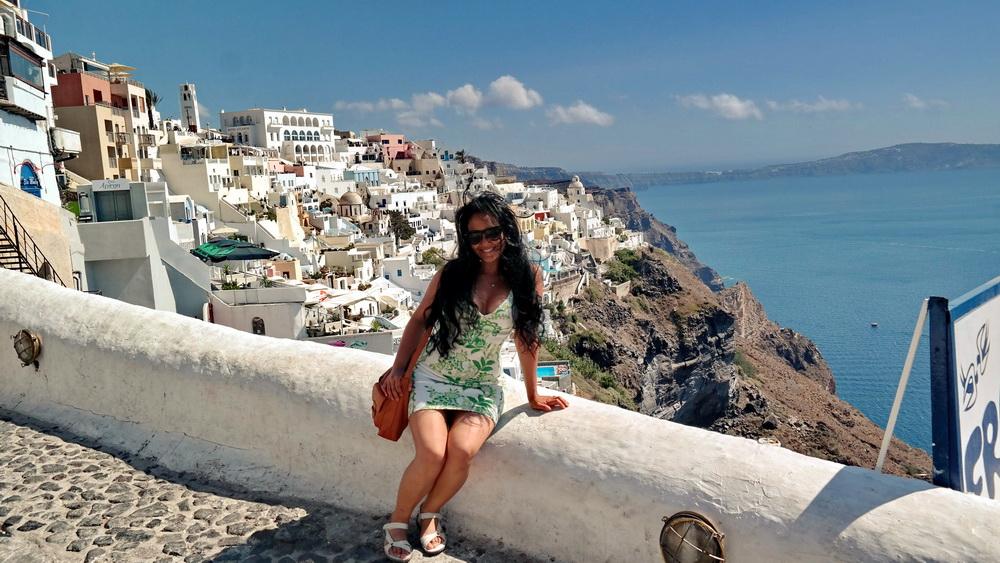 Best-Sandals-For-Walking-in-Europe-Travel-Greece-Santorini-Everday-Wear-Ecco