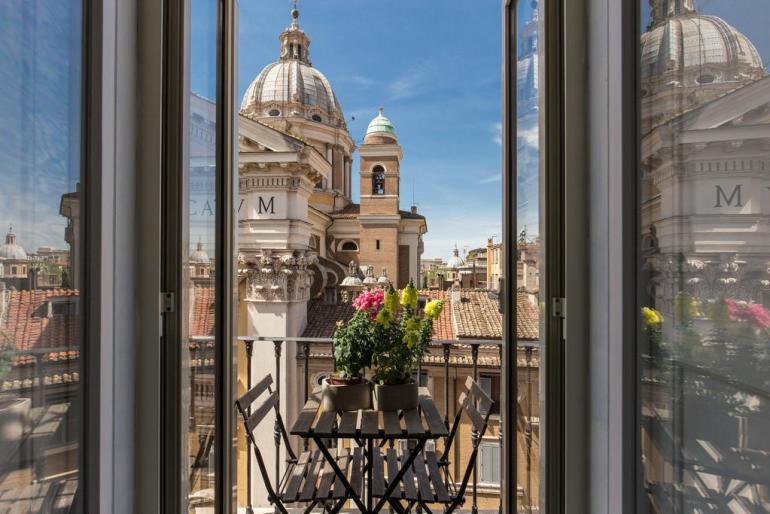 Best Hotels In Rome Italy Where To Stay In Rome Fashion Travel Accessories La Maison D'Art Spagna 2.2