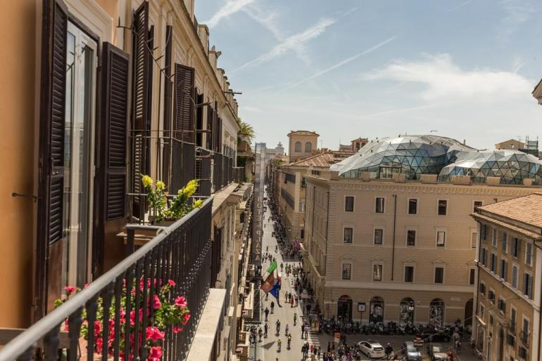 Best Hotels In Rome Italy Where To Stay In Rome Fashion Travel Accessories La Maison D'Art Spagna 2