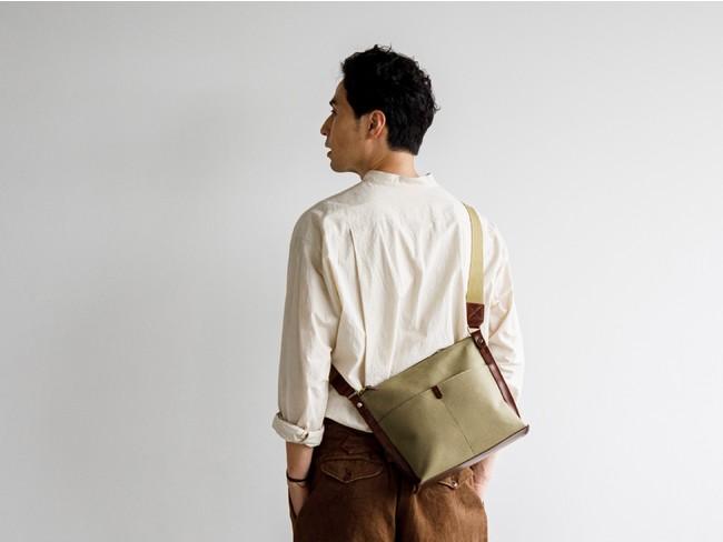 【土屋鞄】夏気分を盛り上げる「レザー✕キャンバス素材のバッグ」新発売。カジュアルな夏コーデにもぴったりな、ショルダーバッグ2型展開