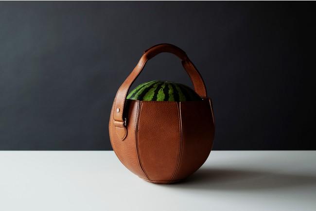【土屋鞄】「スイカ専用バッグ」7月に新発売!コンセプト発表からSNSで話題沸騰、ついに販売へ