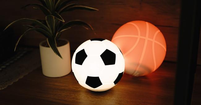 【新商品】7月16日より、育児シーンで大活躍!たたいて光るおやすみライト「ナイトライトボール」の販売スタート