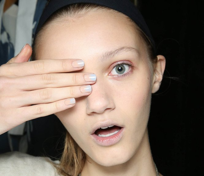 Nail Trends Spring 2016 Fashion Week Popsugar Beauty The Dry Brush Manicure How To Diy Runway Art