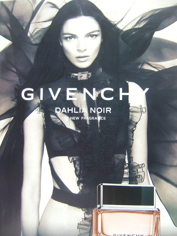 J Adore Dior Fashion View
