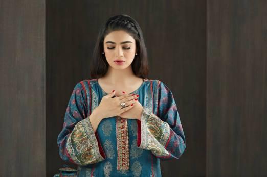 embroidered prints on kurti
