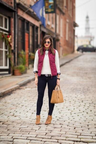Women Puffer Vest Designs For This Fall Season 13