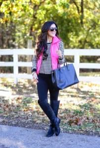 Women Puffer Vest Designs For This Fall Season 9