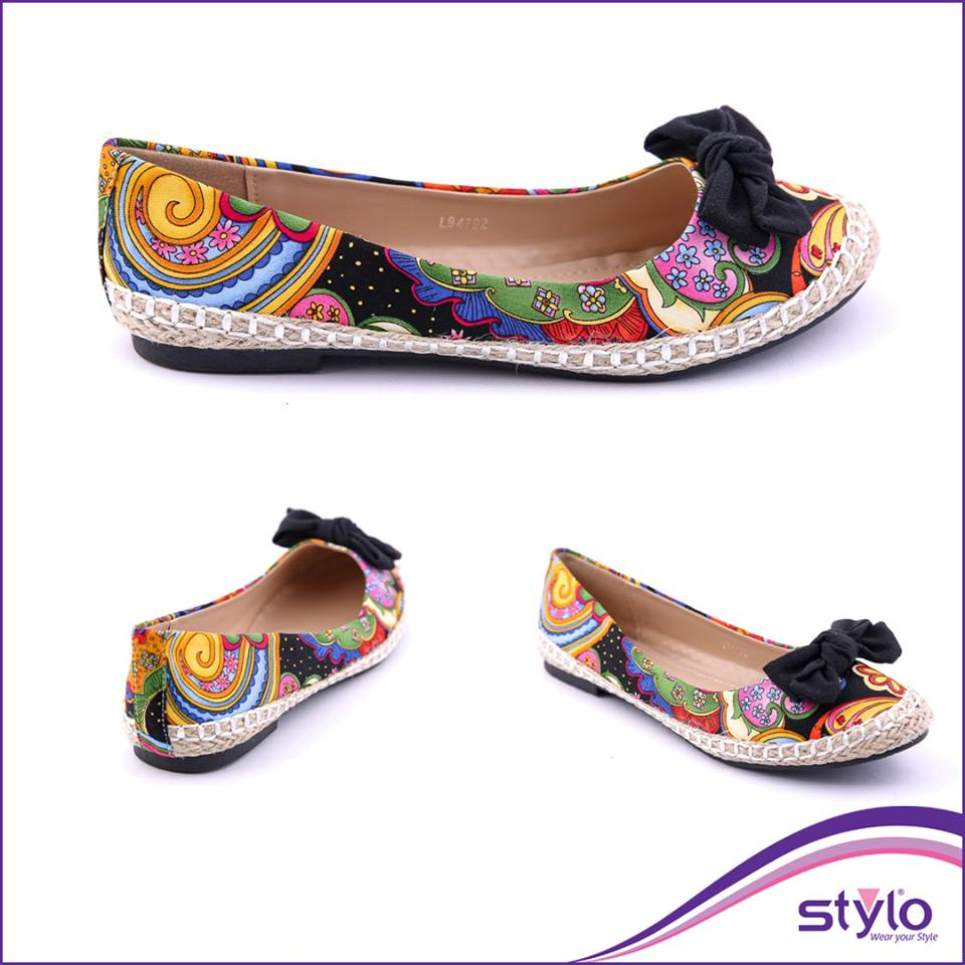 colorful casual shoe