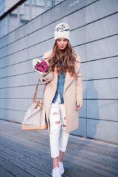 Hair Under Winter Hats Styling Ideas Women Should See 11