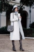 Stylish Winter Long Coats Every Women Should See 8