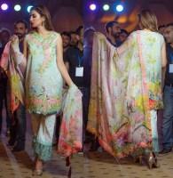 Rungrez Eid Lawn Shalwar Kameez Designs 2017 10