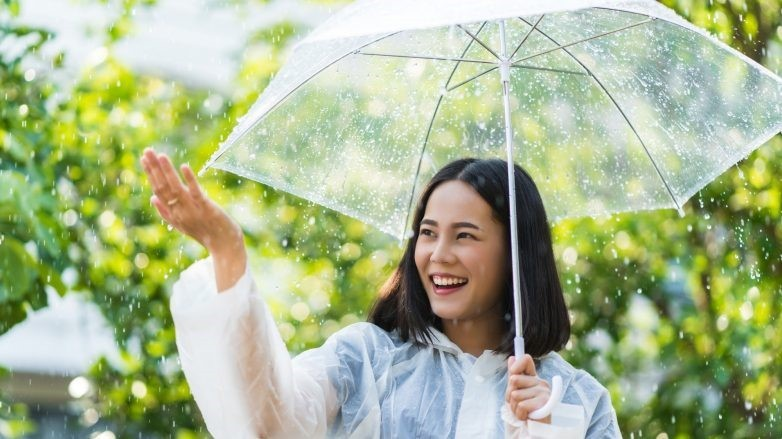 Frizz Taming Hair Hacks For The Rainy Season