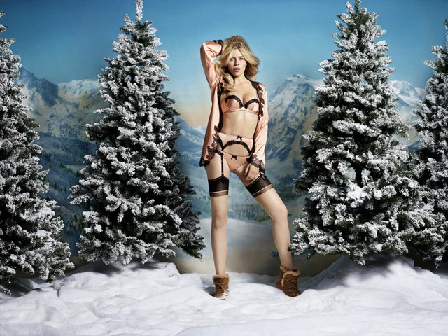 AW15_CHRISTMAS_AMELEA_BEGINNERS-640x480