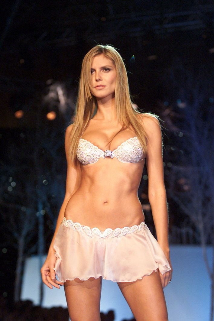 fashion-2015-11-victorias-secret-fantasy-bra-heidi-klum-20011-main