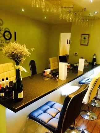 Levoi Champagne Nail Bar 1
