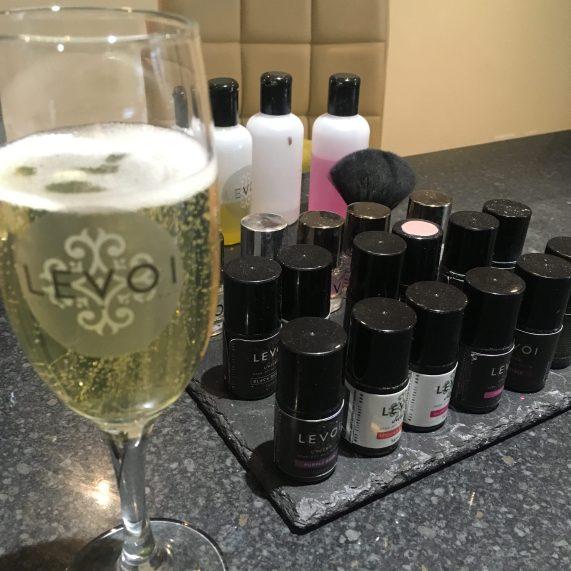 Levoi Champagne Nail Bar Polish