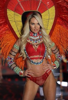 Close up of Candice Swanepoel in the Traveller segment of the 2017 Victoria's Secret Fashion Show