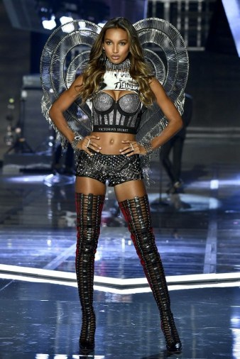 Jasmine Tookes wears her Balmain outfit in the Pink segment of the 2017 Victoria's secret Fashion Show - Fashion Voyeur Blog