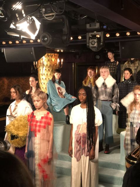 A collective view of the minki FW18 preswntation at the Park Chinois for London Fashion Week