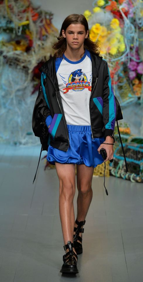 Fyodor Golan SS19 runway show at London Fashion Week shot by Chris Moore for Fashion Voyeur Blog Look 16