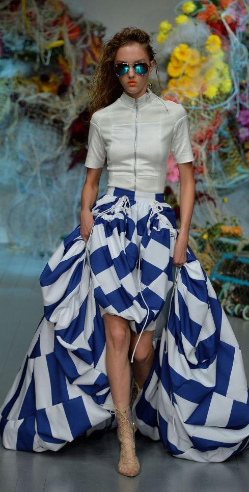 Fyodor Golan SS19 runway show at London Fashion Week shot by Chris Moore for Fashion Voyeur Blog Look 7