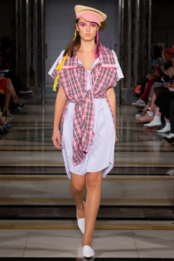 Simon Mo SS19 LFW Fashion Voyeur Blog preppy style outfit with plaid detailing
